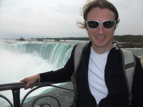 Dave_niagara_falls_top